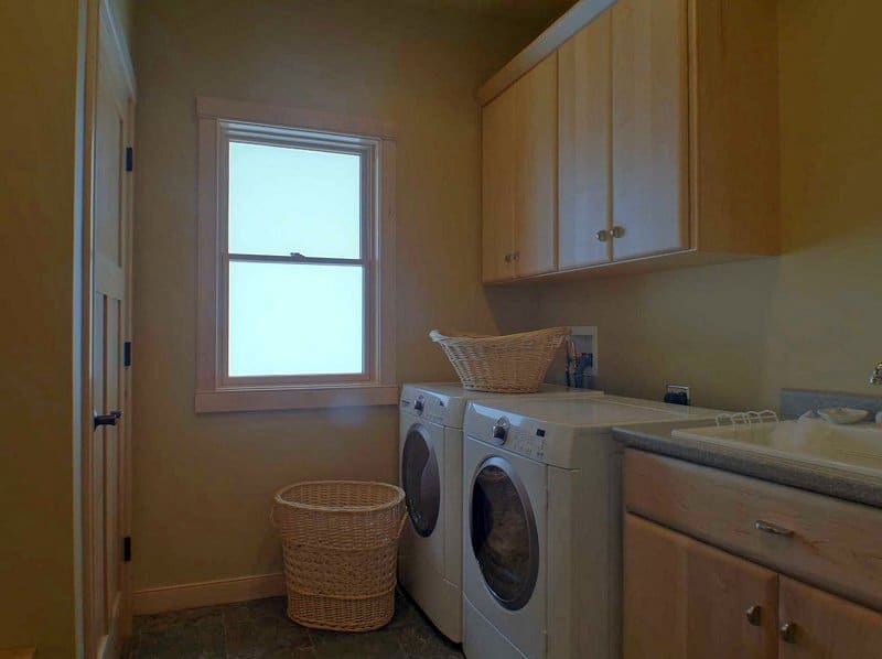n1953_orchard_valley_drive_mls_hid576847_roomlaundryroom