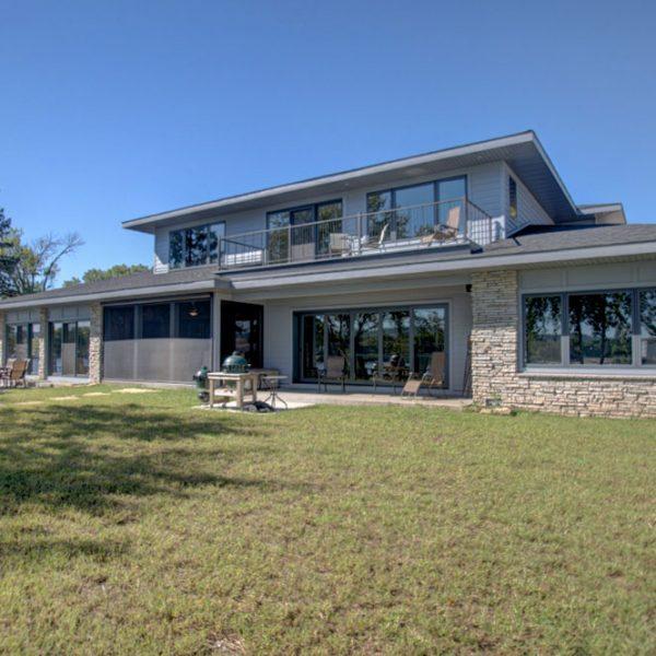 La-Crosse-Custom-Built-River-Home-2018-32